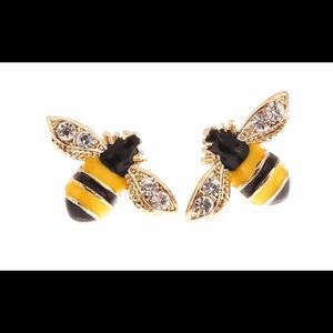 Bumble bee 🐝 earrings